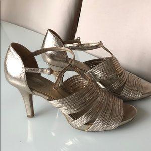 "Bandolino ""Sweetest"" Metallic Gold Sandals Heels"